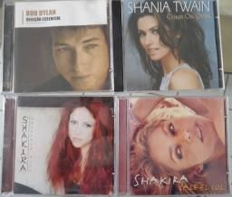 DVDs e CDs de vários artistas usado