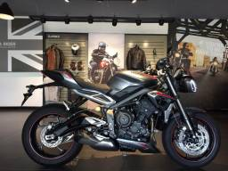Triumph New Street Triple RS