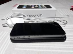 "IPhone 5s Apple, iOS 12, 32GB, Tela 4"" Cinza Espacial, C/ Caixa"