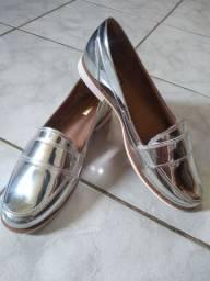 Sapatinho e sandália número 38