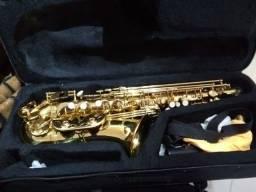 Sax alto Cecílio Mendini. mi bemol
