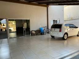 Casa condomínio Jd Balneário 3/4 Suíte Quintal