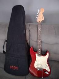 Vendo guitarra Squier Fender strato com capa