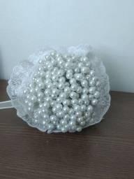 Bouquet de pérolas e itens casamento