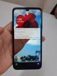 Vendo celular LG'40S por 800,00