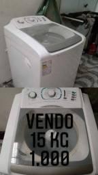 Máquina de lavar roupa semi nova.