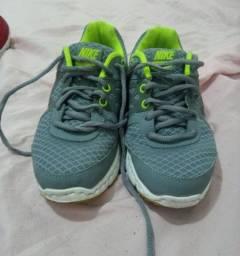 Tênis Nike Tam.34