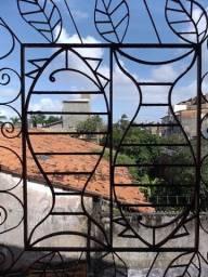 Casa Espetacular Em Itapuã Com Varanda e Jardim Oportunidade Única