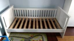 Vendo cama usada solteiro, laqueado barco 1,95x0,95x0,88