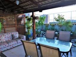 Cobertura à venda com 126m², 3 quartos sendo 1 suíte, em condomínio com piscina