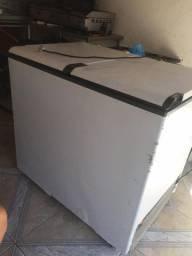 Frizzer Esmaltec 305 litros