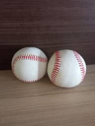 Bolas de beisebol novas