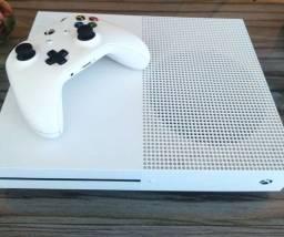 Título do anúncio: Xbox One S Semi-novo