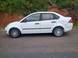 Ford Fiesta Sadan 1.0