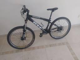 Bike GTI aro 26(relação Sram X7, freios hidráulicos elixir)
