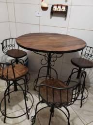 Mesa rústica com 4 banquetas