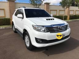 Toyota Hilux SW4 - 7 Lugares 2012