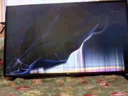 Tv smart LG 43'- Tela quebrada
