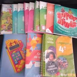 Livros colégio Dona Clara