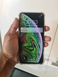 IPhone xs Max 64gb  aceito troca e cartao