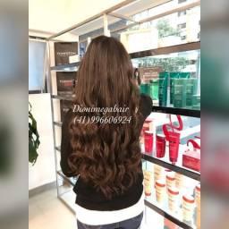 Mega hair / morena / cacheado / salão de beleza