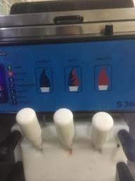 Máquina de sorvete em bom estado