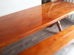 Mesa e bancos madeira nova