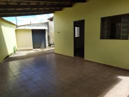 Casa de 2 quartos grande, 2 garagens, no Loteamento Tropical Verde