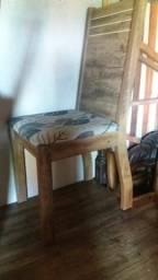 Mesa 4 cadeiras 2 meses de uso