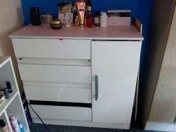 Cômoda 4 gavetas e 1 porta