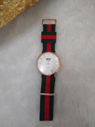 Relógio de marca Gucci