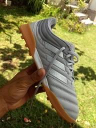 Chuteira Society Adidas.