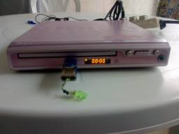Dvd Philco com entrada USB pendrive está ok