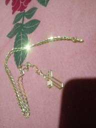Cordão foliado a ouro