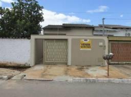 Casa geminada com 3 quartos - Bairro Residencial Forteville em Goiânia