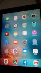 Tablet iPad iOS 32 GB troco por TV