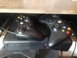 Título do anúncio: Xbox 360 desbloqueado tudo ok não tem defeito,acompanha 5 jogo original