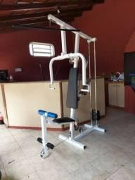 Estação de musculação, malha braços e pernas. R$1.350 ou 10x 150,00