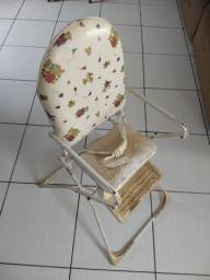 Doa-se cadeira de alimentação para crianças.