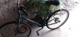 Bicicleta Shimano usada com macha