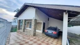 Casa ampla com terreno ao lado