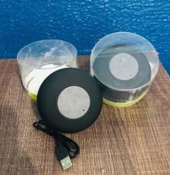 Duas caixas de som bluetooth portátil