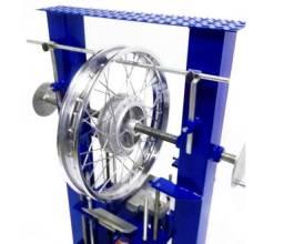 Desempenadeira e alinhadora de aros de motos- fabrica