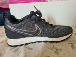 Tênnis Nike Semi Novo 34