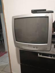 Tv Toshiba 21polegada bom conservada,com conversor funcionando tudo .