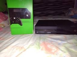 Xbox One 500GB - 2 Controles + GTA V