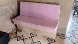 Balcão cadeira e sofá