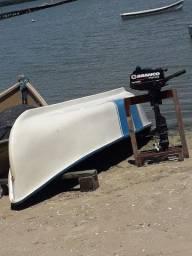 Barco em fibra e motor