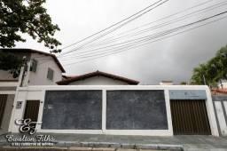 Casa Térrea Nascente Com 3 Quartos Sendo 1 Climatizado e 5 Vagas