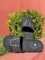 Chinelo Adidas Todo Preto lindo para combinar com seu Look do Dia!